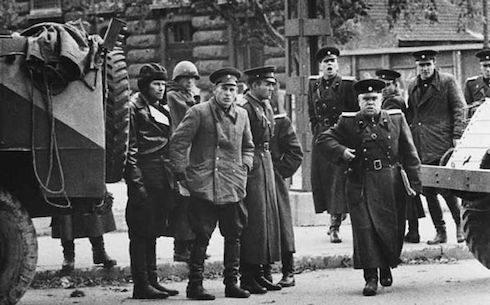 soldats de l'Armée rouge à Budapest en 1956